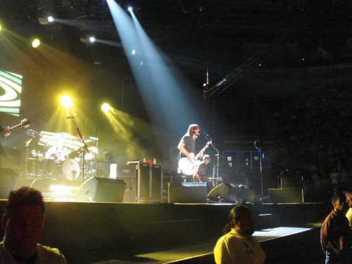Yay, the Foo Fighters take to the stage at last. Nottingham (2007)