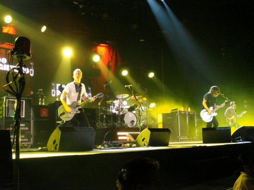 The girlfriend managed to get some really nice photos of the Foo Fighters… I may let her take photos of The Smashing Pumpkins too when we see them in Feburary next year. Nottingham (2007)