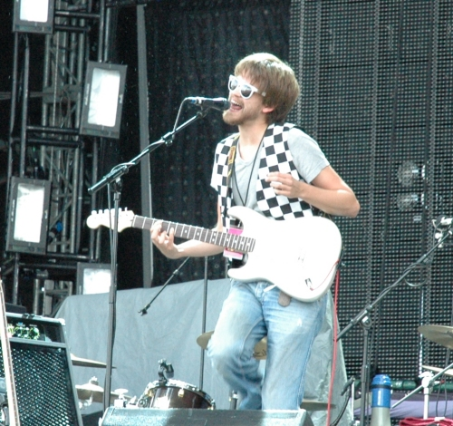 Fyfe Dangerfield did behave a bit like a mental child on stage, but the music was OK. Manchester (2008)