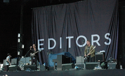 Editors warm the crowd up before R.E.M. take to the stage. Manchester (2008)