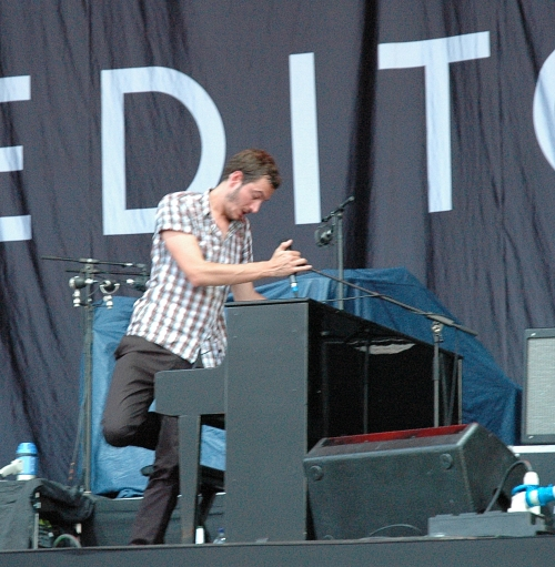 Tom Smith has a bash on the piano. Manchester (2008)