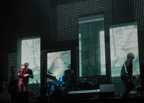 The stage lighting an effects on the back wall were very pretty… some of the best I've seen at a music gig. Manchester (2008)