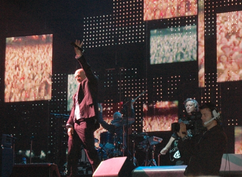 R.E.M. are welcomed back to the stage for an encore. Manchester (2008)