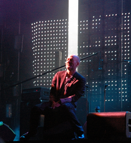 Michael Stipe sits back  to admire the crowd. Manchester (2008)