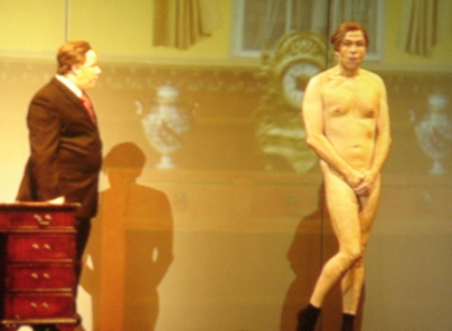 David Walliams, naked, from the front, Nottingham (2006)