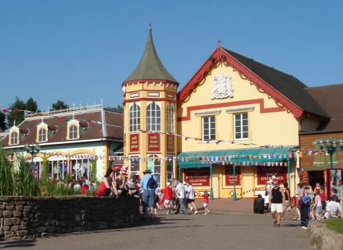 A pretty shop, Alton Towers (2006)
