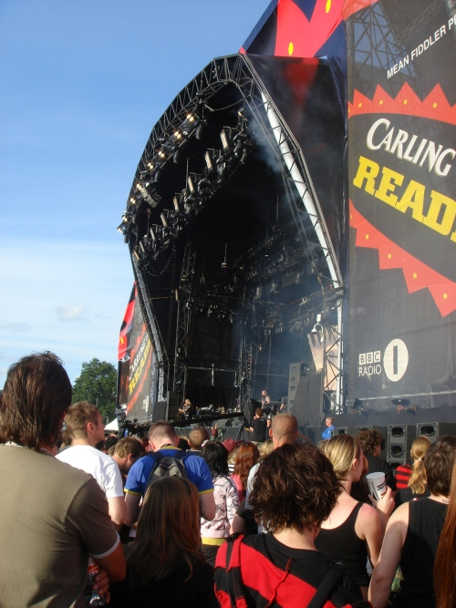 The ageing rock band Slayer take to the stage! Reading (2006)