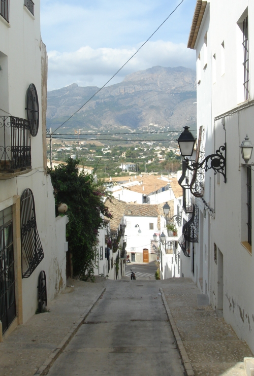A back street in Altea. Cars can go up and down this small road! Spain (2006)