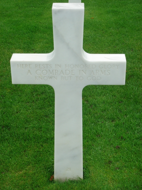 Here rests in honored glory a comrade in arms known but to God, France (2006)