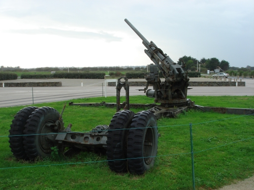 Some heavy American artillery, France (2006)