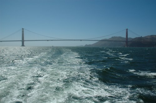 Heading back to land. The whole boat trip was around 1 hour long. San Francisco (2007)