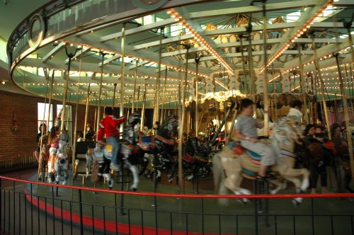The merry-go-round on the boardwalk. Santa Cruz (2007)