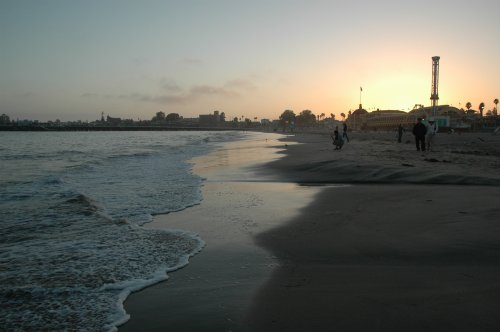 A lovely beach and sea, popular with surfers. Santa Cruz (2007)