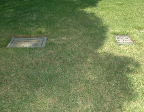 The unmarked plot of land between these two headstones is where Roy Orbison is buried. Los Angeles (2007)