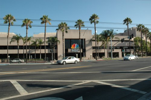 The very wide road in front of the NBC studios, took ages to cross. Los Angeles (2007)
