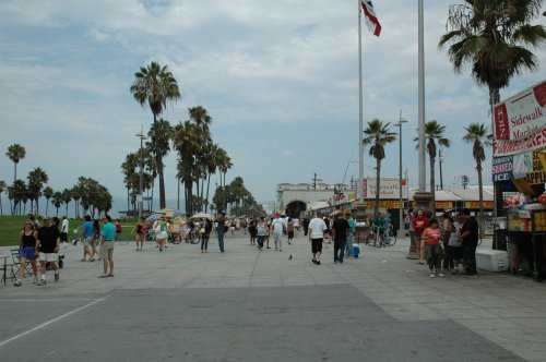 Lots of people enjoying the nice weather. It was around 100F every day we were in LA. Los Angeles (2007)