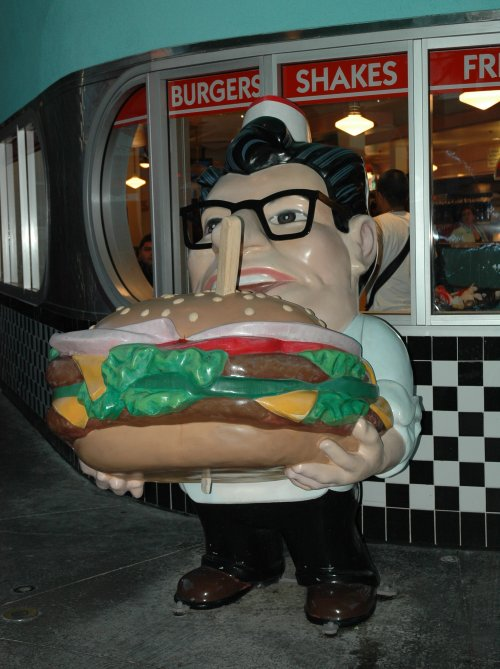 Yes, burgers really are that big in America, only costs a few dollars too. Los Angeles (2007)
