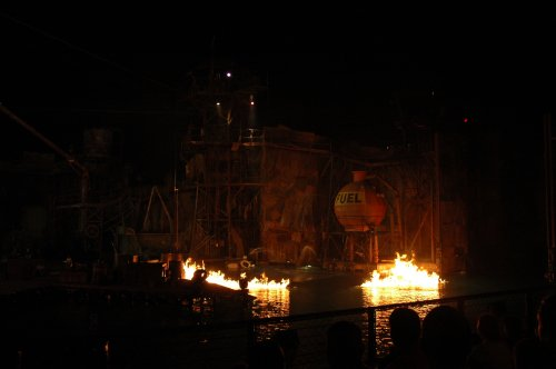 Yay, fire and water make the Waterworld show look great. Los Angeles (2007)