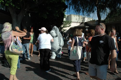 Hey, it's Eeyore from Winnie the Pooh, he looks sad... maybe he wasn't allowed his fag break. Los Angeles (2007)