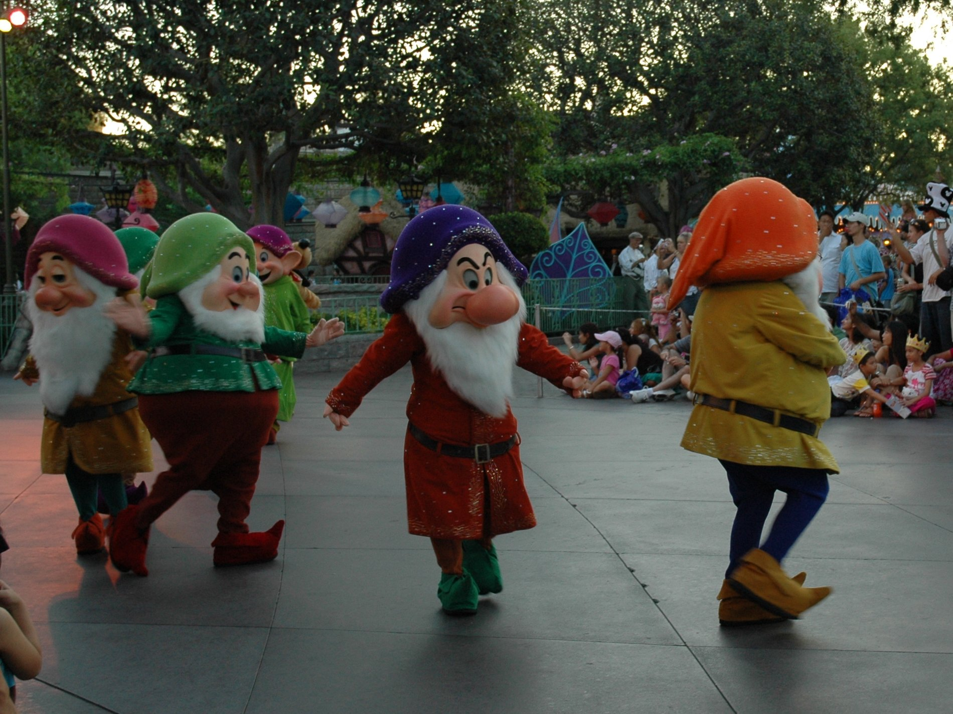 Grumpy and his dwarf pals… I'm not sure where Snow White is though? Los Angeles (2007)