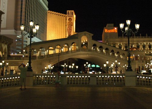 A replica Bridge of Sighs adds to the Venetian theme. Las Vegas (2007)