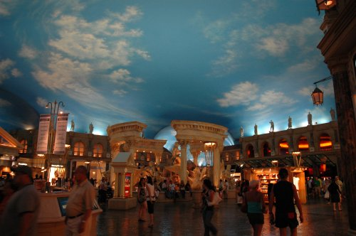 They've magically made the inside look like the outside at Caesars Palace. The shops stayed open until around 10pm. Las Vegas (2007)