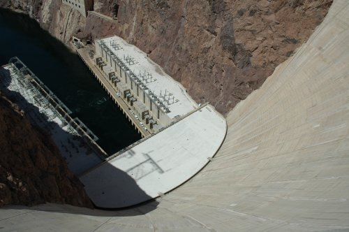 Looking down the Hoover Dam… it was dam hot that day. Nevada/Arizona (2007)