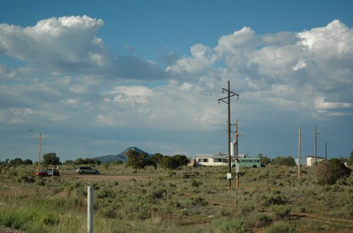 It must be difficult living in the middle of nowhere… wonder it they've got the tinternet. Arizona (2007)
