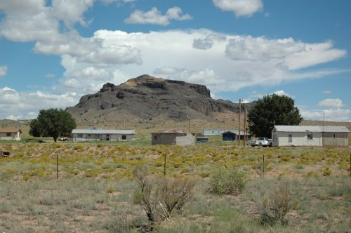 Some people who like to live in the middle of nowhere…. Lovely. Arizona (2007)