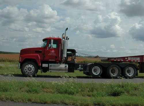 There are lots of big trucks like this on the American freeways, they go a lot faster than trucks in England. Texas (2007)