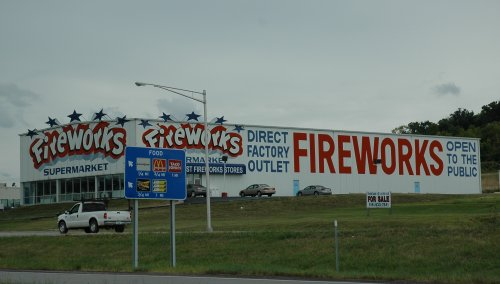 How many fireworks do Americans buy a week!? Kansas (2007)